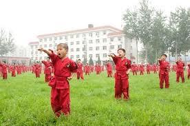 Niños practicando Kung Fu